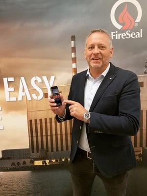 Jonas Svensson, marknadschef på FireSeal, presenterar FireSeal Doc-appen